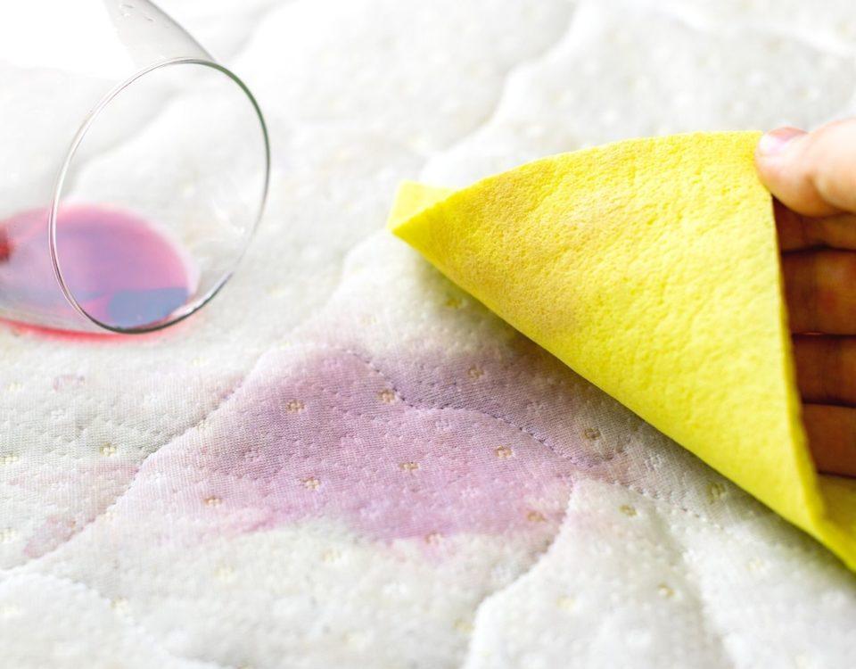 Kak vyvesti pyatno ot vina Как вывести пятно от вина с обивки мебели и ковровых покрытий