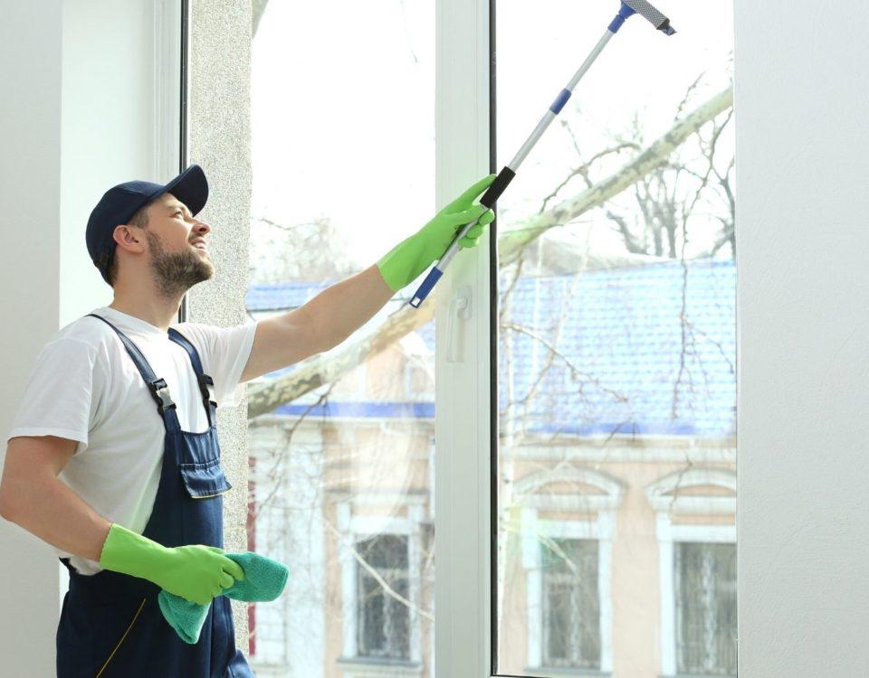 myte okon 2 Как и чем помыть окна?